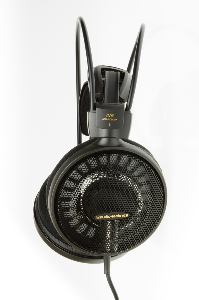 Audio-Technica ATH-AD900X lifestyle picture