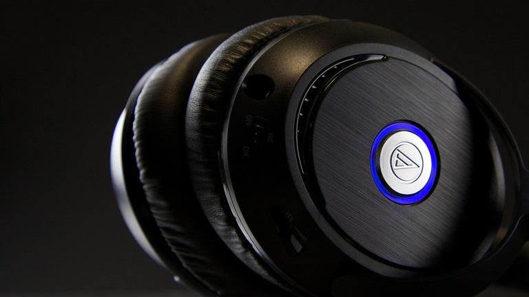 Audio-Technica ATH-ANC70 z włączonych systemem ANC