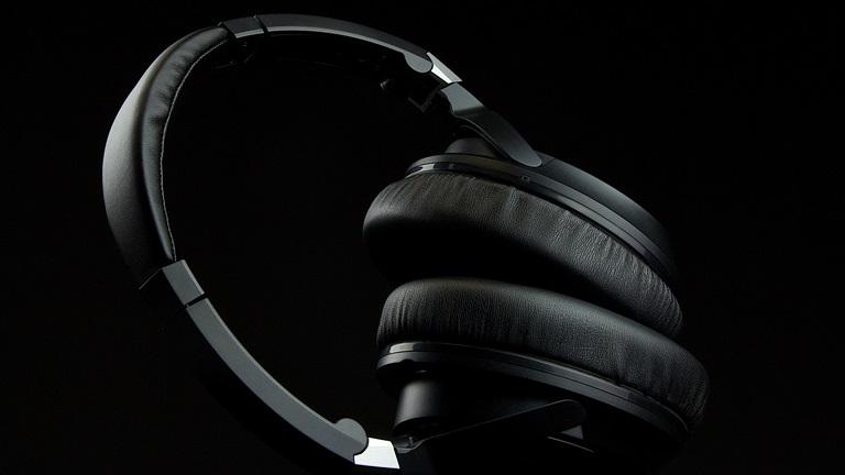 Audio-Technica ATH-ANC70 zdjęcie lifestylowe