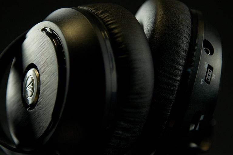 Audio-Technica ATH-ANC70 zdjęcie nausznika