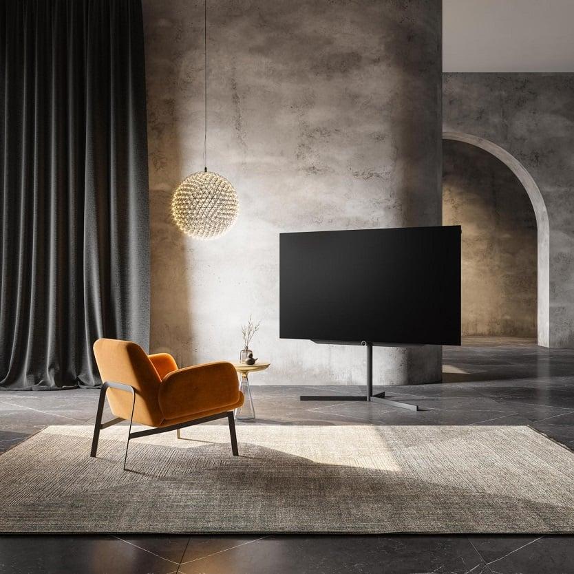 Loewe bild s.77 to telewizor, który pozwala przeżywać magiczne chwile z filmami i telewizją.