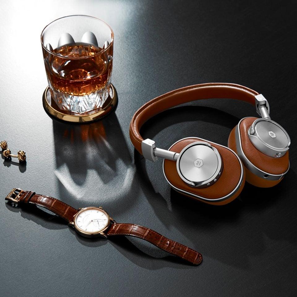 Master & Dynamic MW60 brown